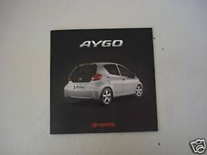 catalogo-depliant-brochure-TOYOTA-AYGO