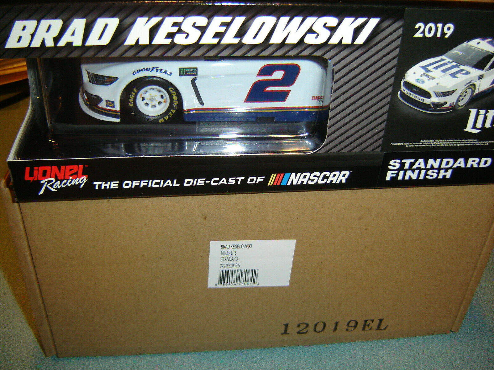 2019 Brad Keselowski  2 Miller Lite Bianco Ford 1 24 Action Nascar Pressofuso