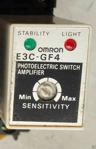 Omron E3C-GF4 E3CGF4 Photoelectric Switch Amplifier w//DIN Mount Socket Base