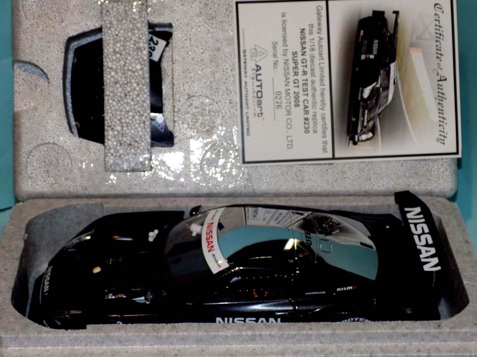 NISSAN  GT-R  SUPER GT 2008 TEST CAR AUTOART 80878 1 18