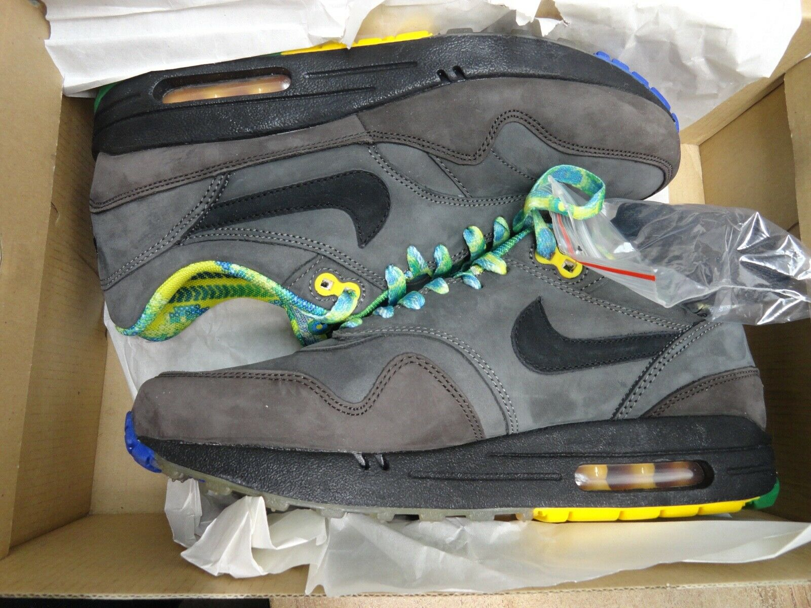 Nike air max 1 BHM    BLACK HISTORY MONTH   release 2011 size 7.5  new in box 421313