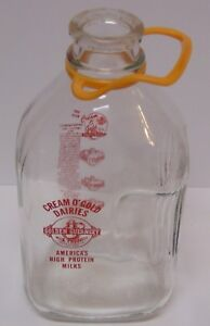 Vintage-1965-GOLDEN-GUERNSEY-GRAPHIC-MILK-BOTTLE-HALF-GALLON-WAUKESHA-WISCONSIN
