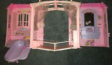 Barbie Magic Key Fold Up House Pink Cottage Condo Bathtub Vanity Bed Magi-Key