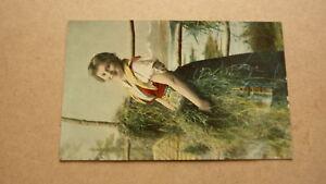 OLD-1920s-NORWAY-POSTCARD-VIEW-OF-NORWEGIAN-FARM-GIRL-1