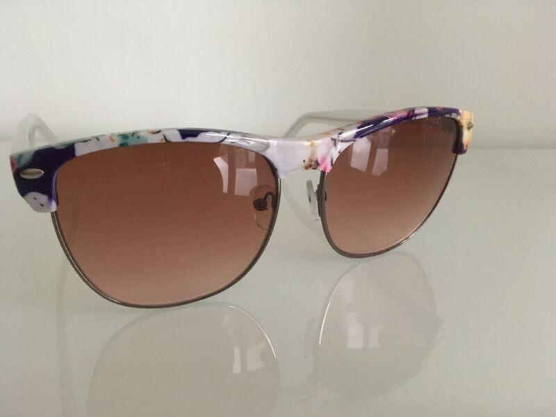 Jessica Simpson Sonnenbrille Weiss Blumen J5385