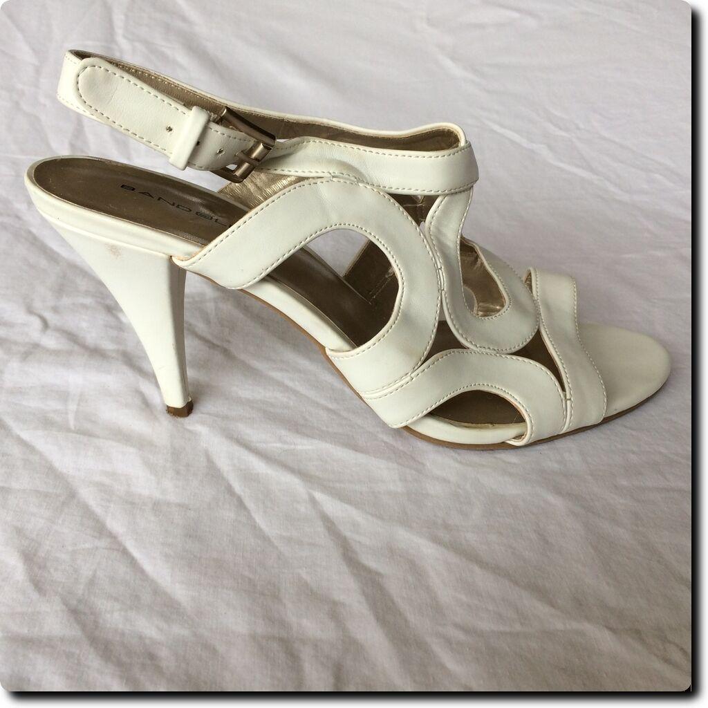 Bandolino Beautiful Heel White Circle Strap Sandals Heel Beautiful Shoe 9 7f9862