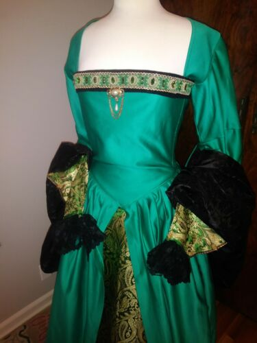 Tudor Gown Emerald Green Size M