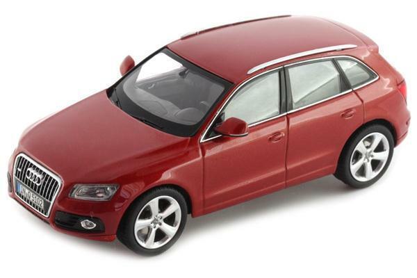 Schuco Audi Q5 2013 Volcano Red 1 43 450756001