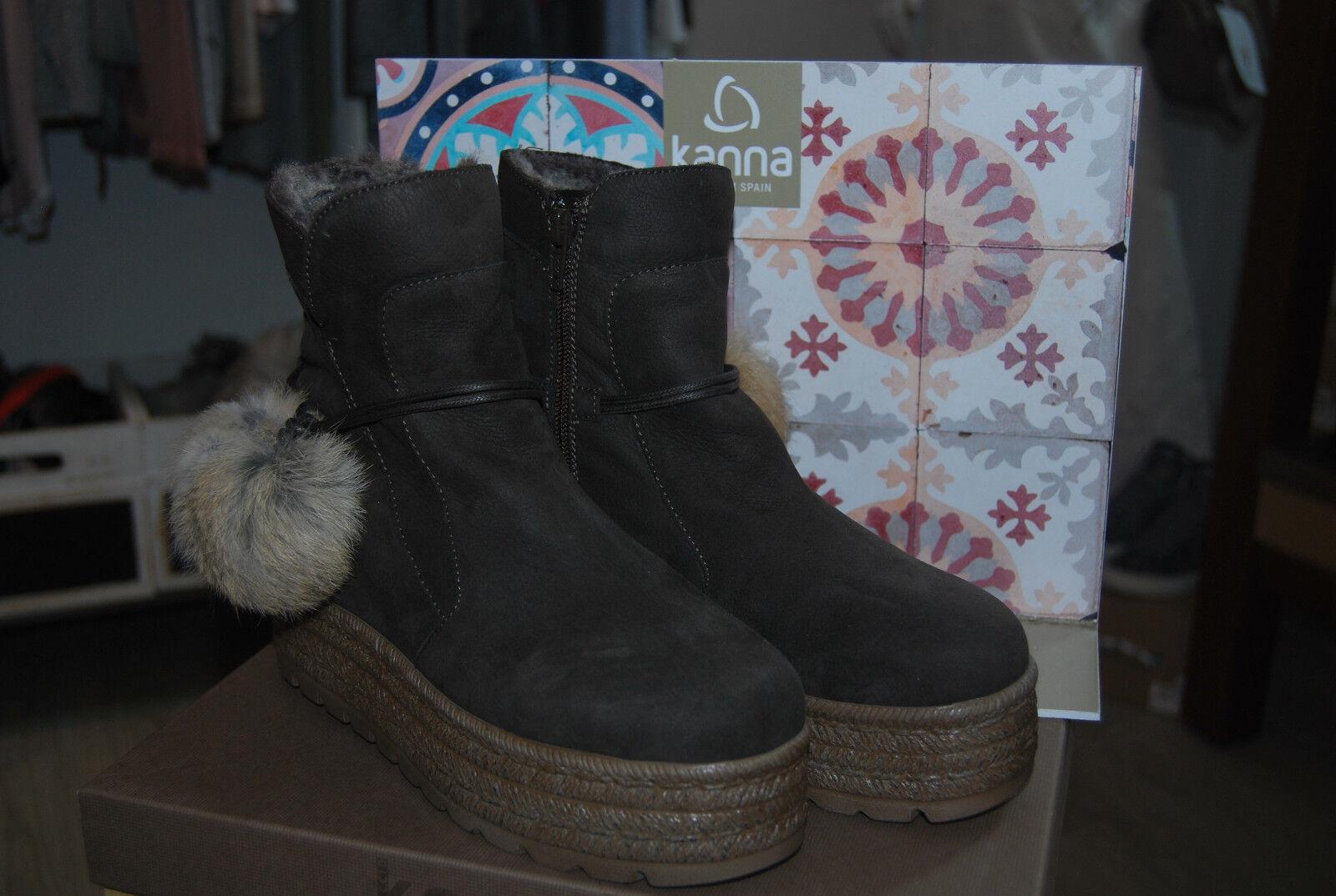 Kanna Stiefelies mit Plateausohle und Pompoms     Stabile Qualität