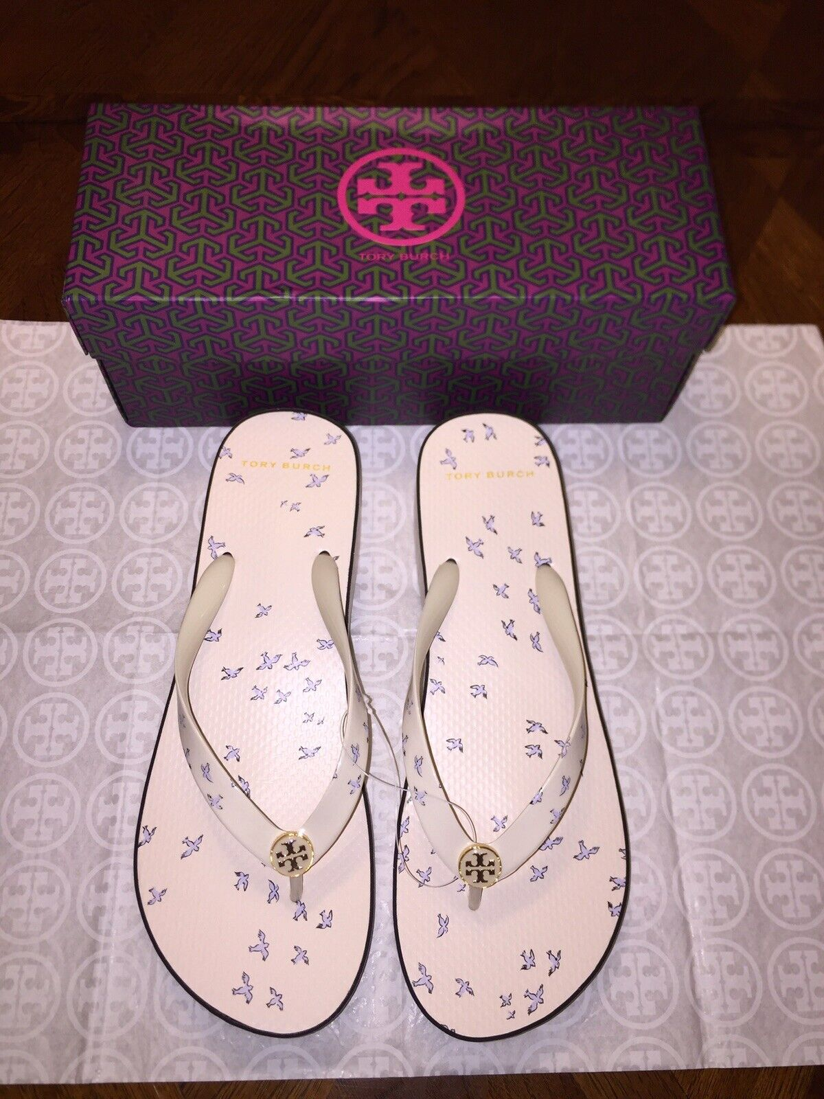NIB Tory Burch Burch Burch Printed Cut -Out WEDGE FLIP - FLOP i Ivory Early Bird Storlek 11  nya exklusiva high-end