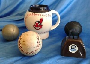 VINTAGE-BASEBALL-LOT-1972-Red-Sox-Little-League-Ball-Indians-Mug-Clippers-Bell