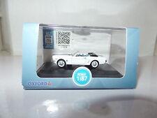Oxford 87MU65003 MU65003 1/87 HO USA Ford Mustang Convertible White Blue Stripe
