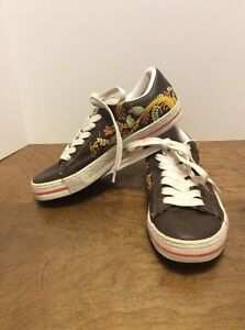 d40ab6bca69f CONVERSE Women s Brown Leather Bird Floral Low Top Lace Sneakers ...