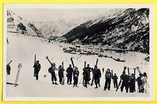 cpsm 66 - Village de PORTÉ Groupe de SKIEURS PUYMORENS Sports d'Hiver Neige Ski