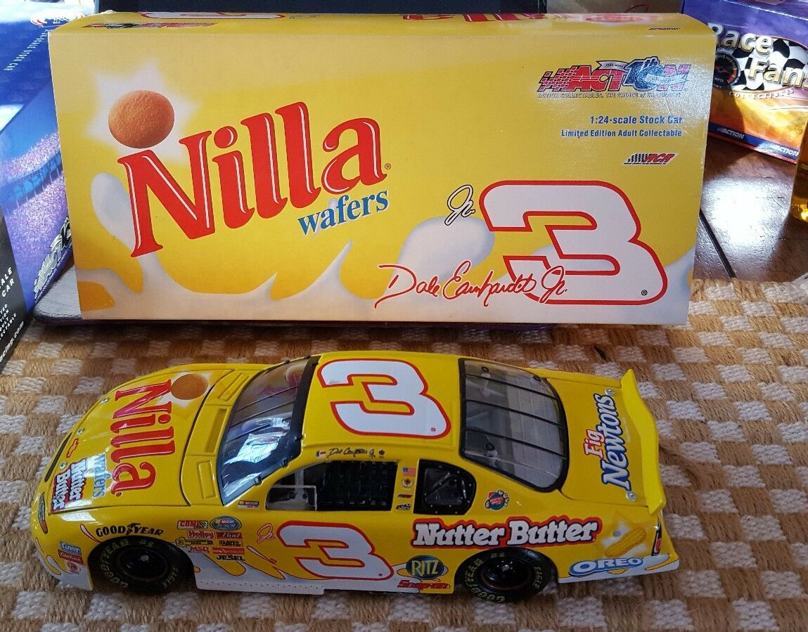 DALE EARNHARDT JR 2002  NILLA NILLA NILLA WAFERS   NUTTER BUTTER  1 24TH SCALE a9df09