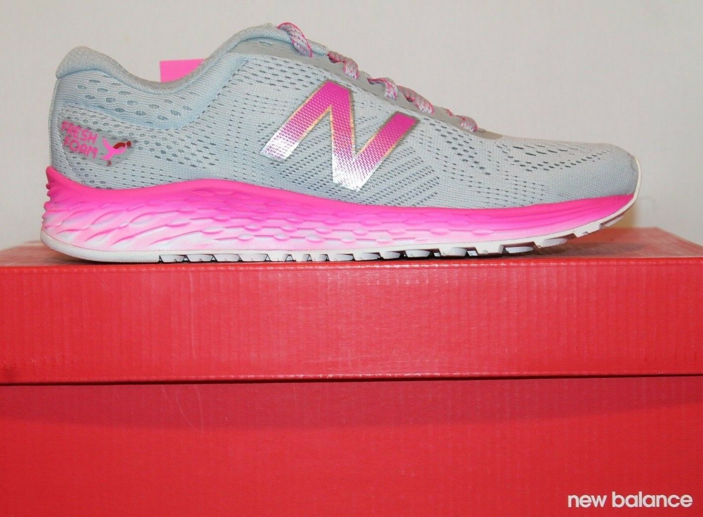 Damenschuhe NEU Balance Fresh Foam Arishi WARISKM1 Susan B Komen Running Schuhes