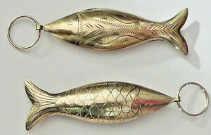 Very-Unusual-ENGRAVED-METAL-FISH-GOOD-LUCK-CHARM-SILVER-COLOUR