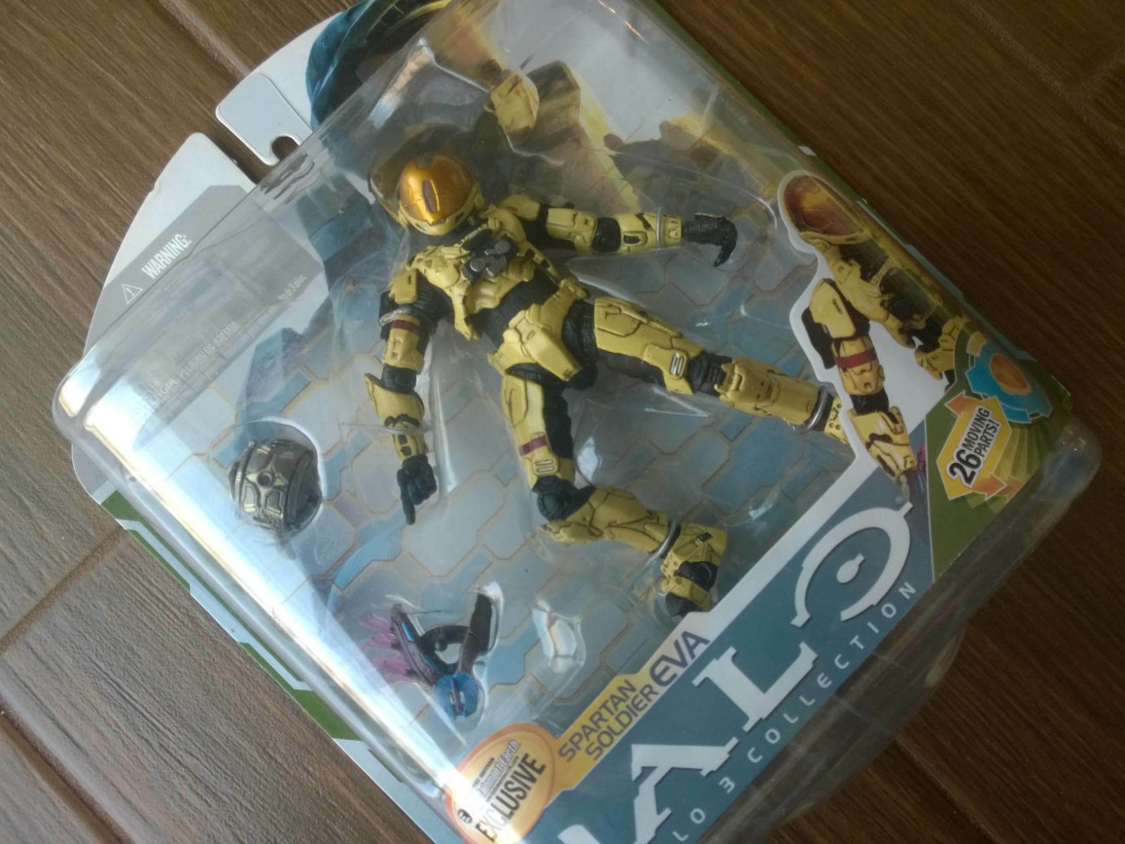 Entertainment Earth exclusive Halo 3 Series 5 Pale Yellow EVA Action Figure MINT