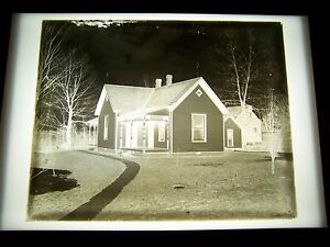 ANTIQUE-8-034-X-10-034-GLASS-PHOTOGRAPH-NEGATIVE-OF-HOUSE-WITH-LONG-SIDEWALK