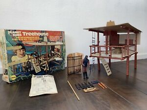 Mego-PLANET-OF-THE-APES-Treehouse-1967-With-Box-Instructions-And-Soldier-Ape