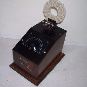 Classica-Radio-con-rivelatore-a-Galena-e-bobina-a-nido-d-039-api