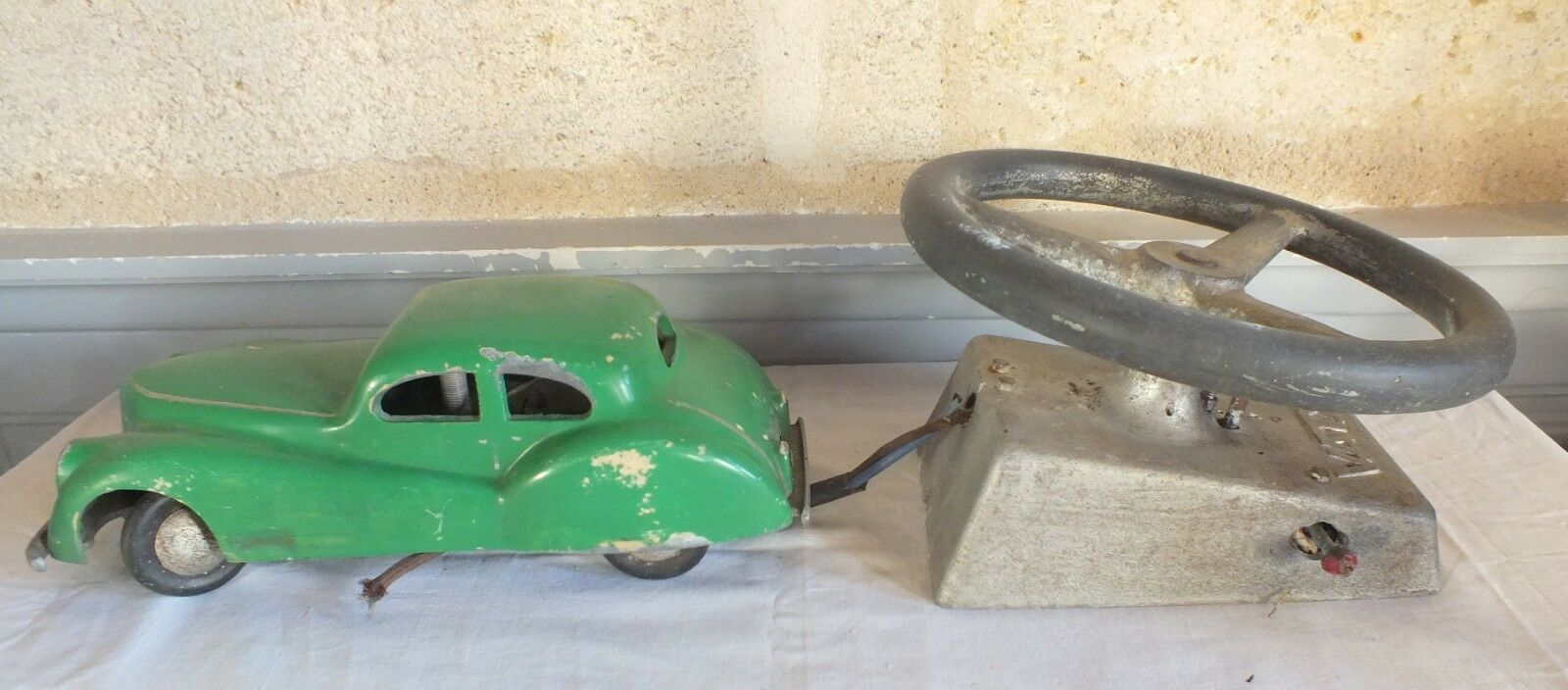 Vaty game forain car aluminium vintage - + steering wheel (no.5)