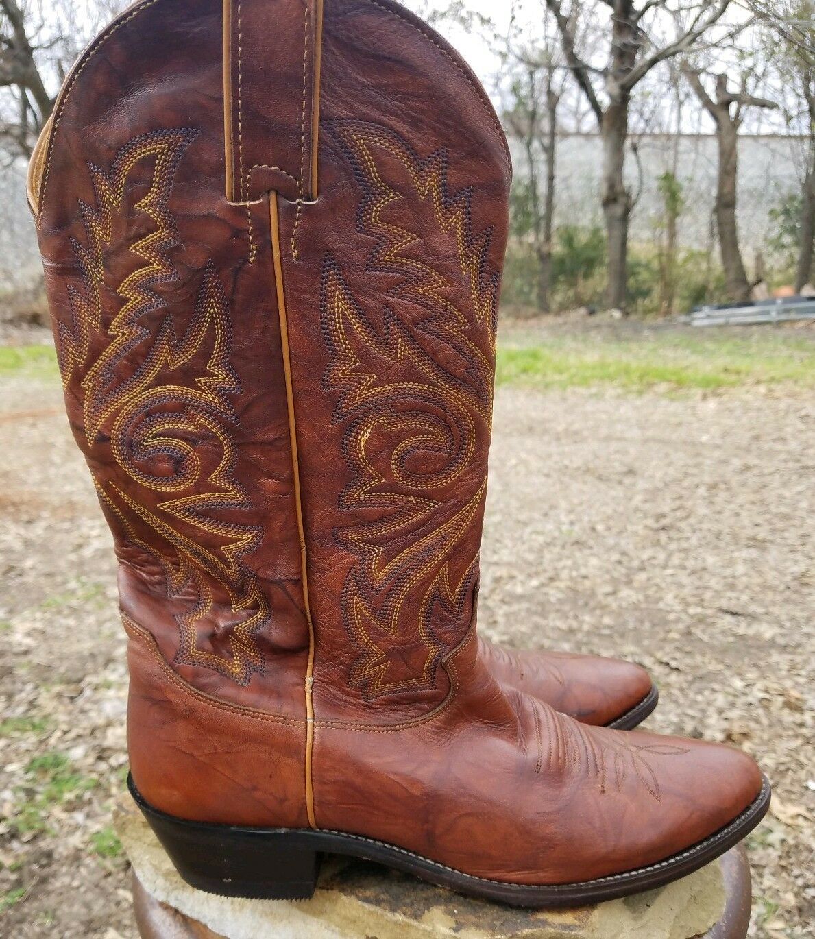 Justin's 1560 Chestnut Leather Pointed Toe Cowboy Western Boots Men's 9.5 D