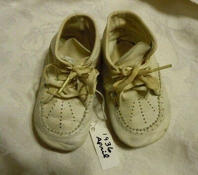 Vintage 1936 Baby Shoes Soft Sole White Leather no brand EUC