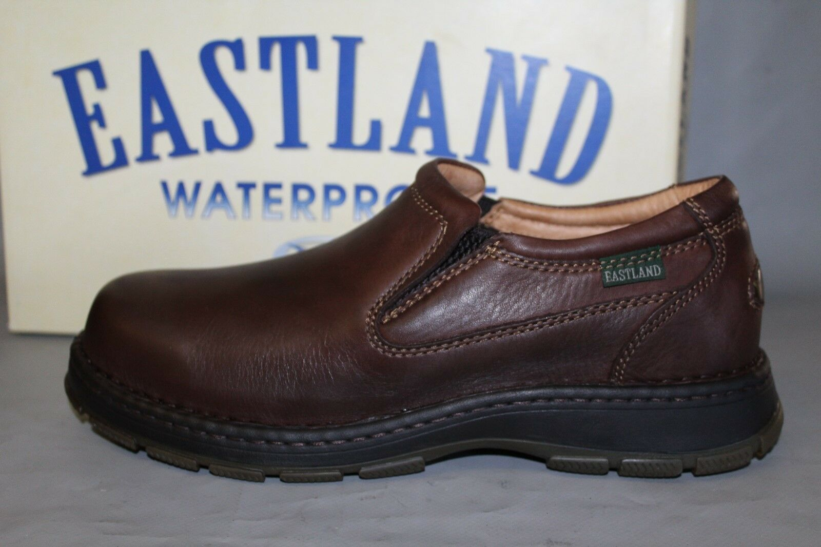 NEW Mens Eastland Typhoon Size 10.5 Med. Brown Waterproof Leather Slip on shoes