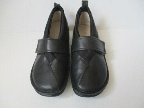 AKAISHI Obi Slip On Shoe Size 8 - Black - Women's