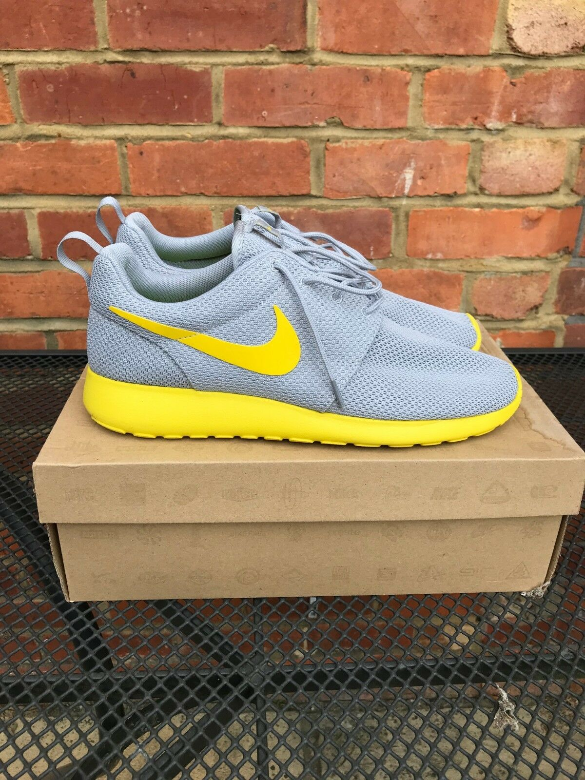 Nike Roshe Run Cool Yellow9.5  Gris  Yellow9.5 Cool VNDS 58cca6