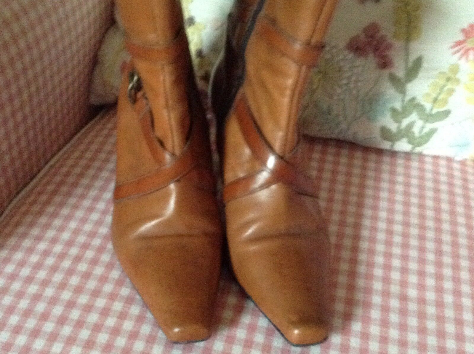 CLARKS TAN LEATHER ZIP UP HIGH HEEL ANKLE BOOTS Fab Condition