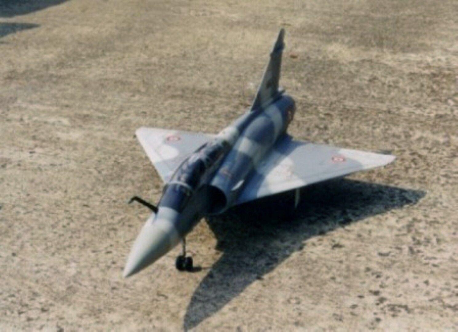 DASSAULT Mirage 2000 B (Spannweite 990 mm). Modellbauplan mit Kabinenhaube