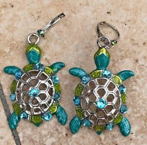 Kirks-Folly-Tootsie-Turtle-Leverback-Earrings-Silvertone