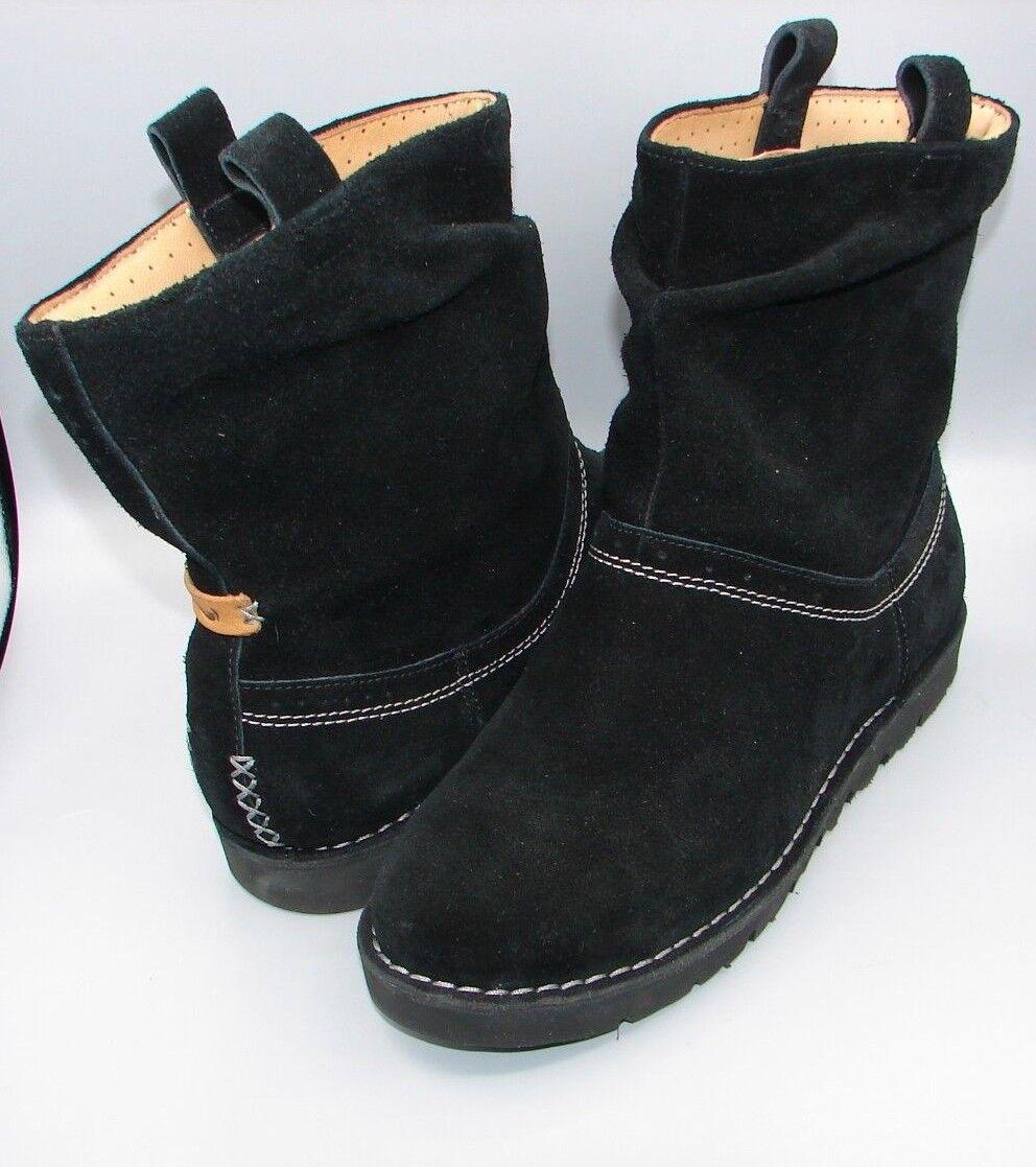 UN ASHBURN  Clark's Women Ladies Black Suede Boots size UK 4D.
