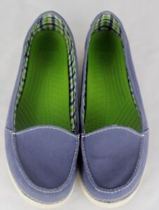 b75b0e17a74b5c Crocs women s canvas loafers boat shoes slip on blue size W 10