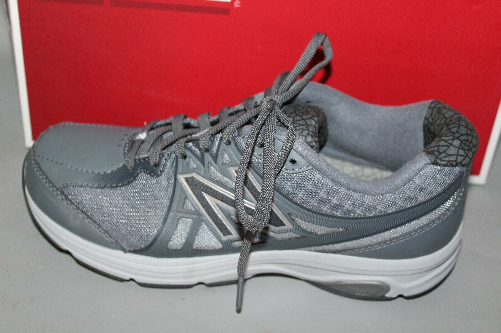 NEW Women's New Balance WW847GY2 Size 6.5 B (Medium) Supportive Walking shoes