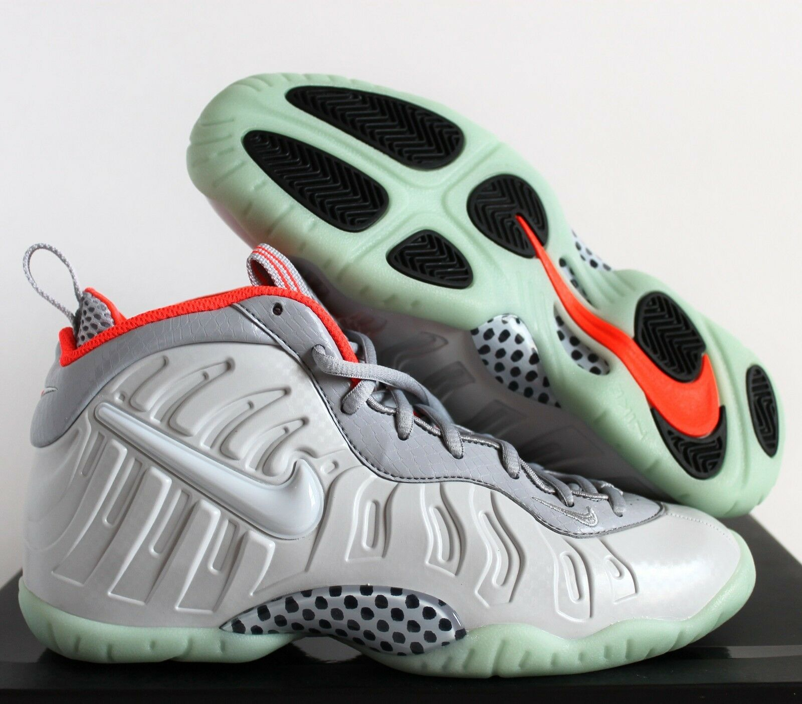 NIKE LITTLE POSITE PRO (GS) FOAMPOSITE PLATINUM SZ 5.5Y  WOMEN SZ 7 [644792-005]