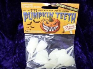 Glow-In-The-Dark-Pumpkin-Buck-Teeth-12-Medium-Plastic-The-Original-Pumpkin-Teeth