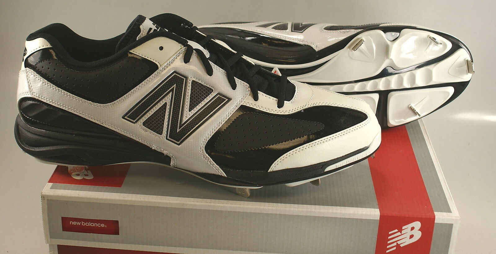 NIB New Balance MB4040LW Baseball Metal Spike Cleats BLACK WHITE Mens US 16 2E