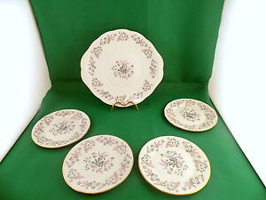 Colclough-Adam-Cake-Plate-and-4-x-Side-Plates
