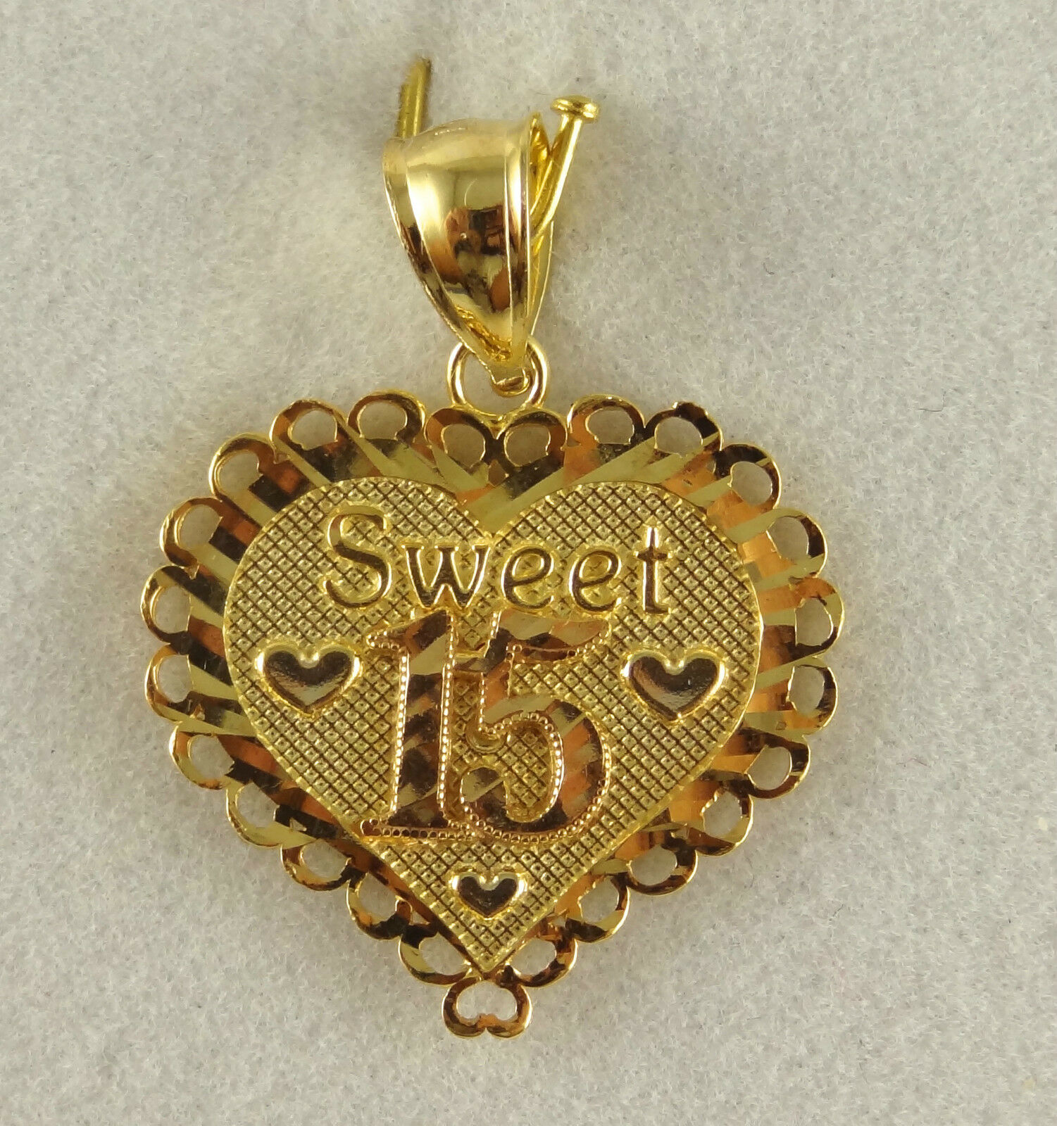 Used 14k Solid Yellow gold Heart Pendant Sweet 15  2.52GM