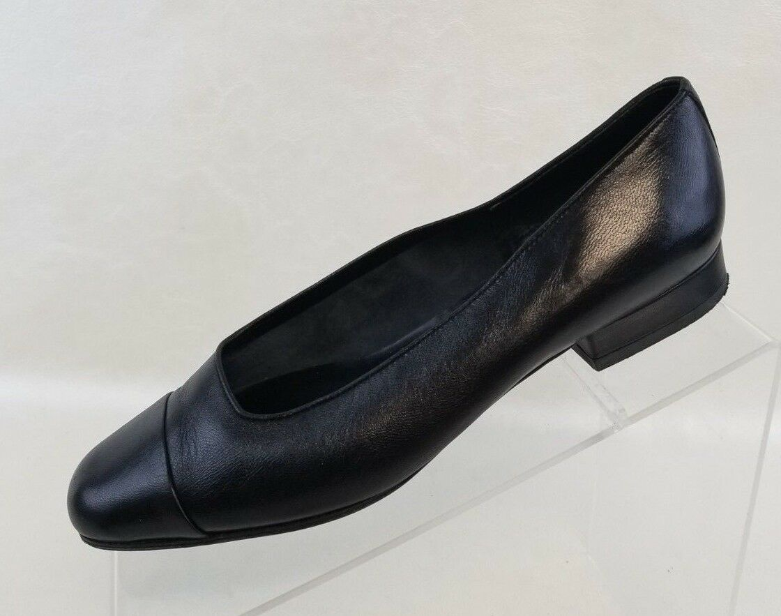 Vaneli Ballet Flats Cap Toe Womens Black Leather Slip On shoes Size 7.5M