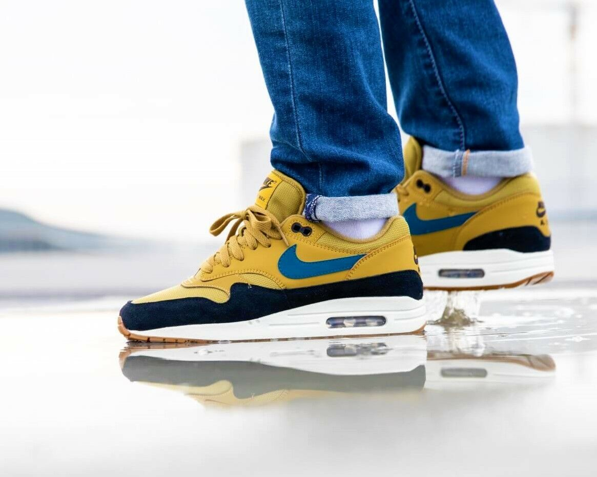 BNWB & Authentic Nike ® Air Max 1 Retro Trainers in golden Moss & bluee UK Size 9