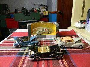 4 x CORGI modello MERCEDES auto, una in scatola