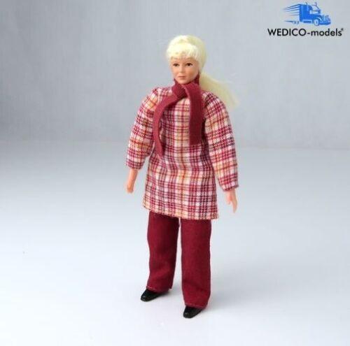 """Biegefigur WEDICO-models LKW-Fahrerin /""""Julia/"""" mit langen Haaren"""