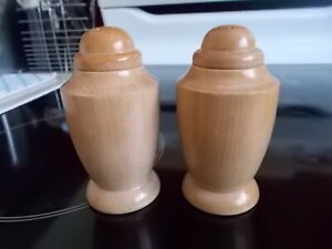 OFFERS-VINTAGE-Wooden-Salt-amp-Peppers-Shakers-JAPAN-Screw-Top-Lids-UNUSED