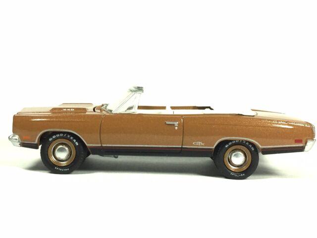 Greenlight Barrett Jackson Auction Block 1969 69 Plymouth GTX Convertible Loose
