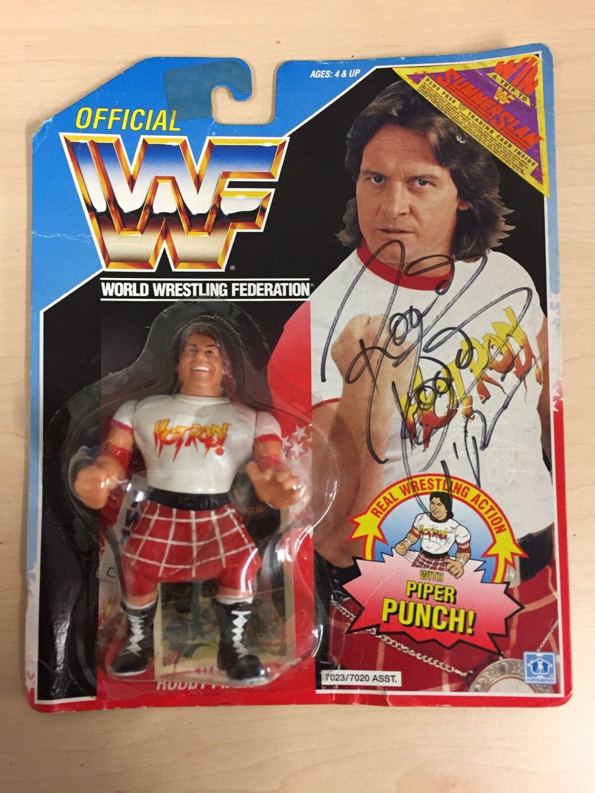 WWF HASBRO ROWDY RODDY PIPER AUTOGRAPHED   SIGNED SUMMERSLAM VERSION MOC WWE