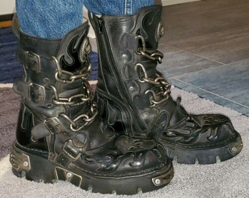 NEW ROCK SKULL & CHAINS BOOTS!  SZ 42 Barely broke